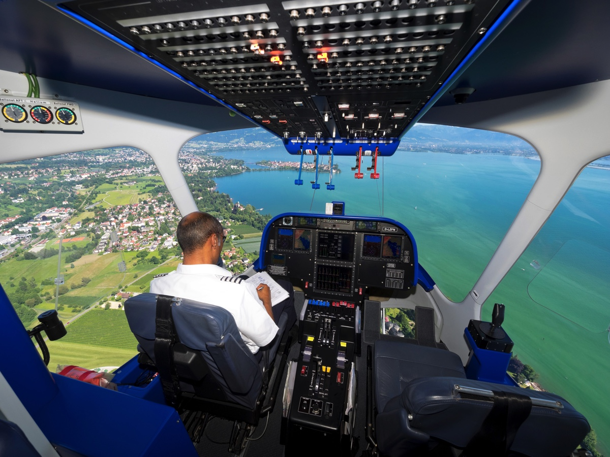 Fotos  Zeppelinflug  U00fcber Den Bodensee Mit Dem Europapark Rust